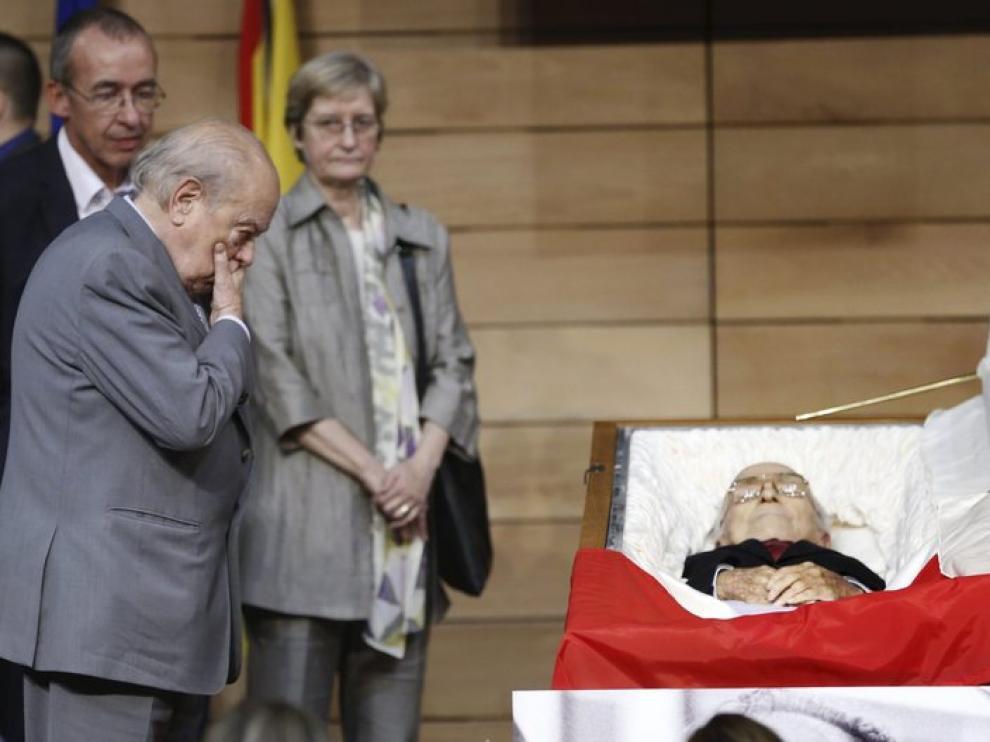 Jordi Pujol ha sido una de las personalidades que han asistido a su despedida.