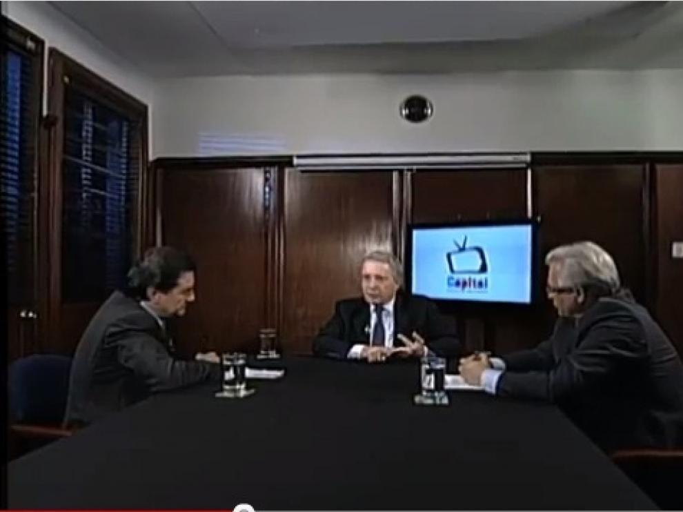 Imagen de la entrevista de Garzón y Medellín a Uribe