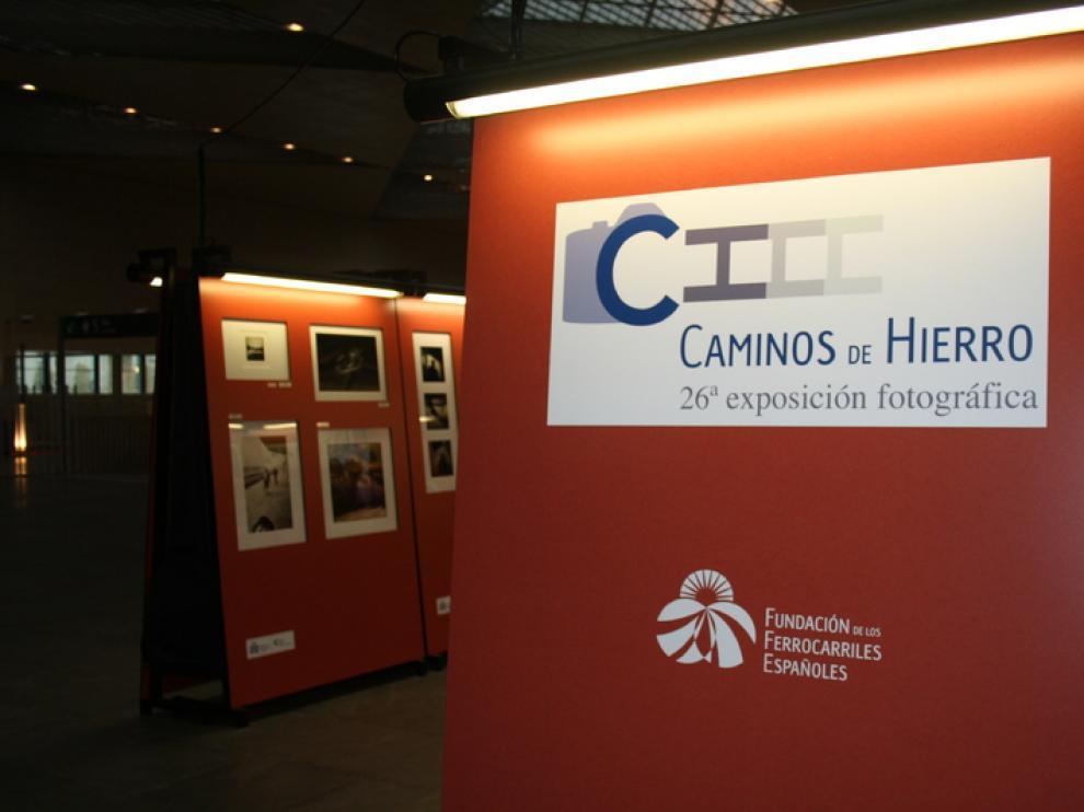 Exposición fotográfica en la vestíbulo de Delicias