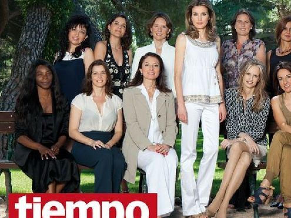 La princesa Letizia posa con mujeres relevantes cerca de los 40