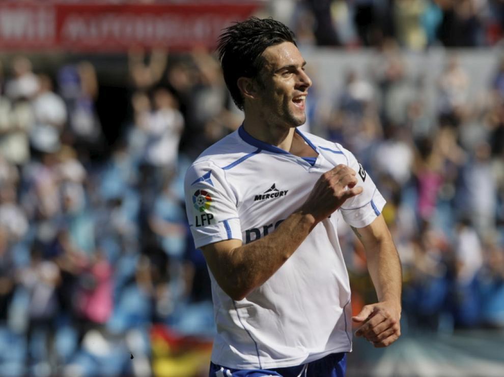 El Real Zaragoza acaricia la victoria