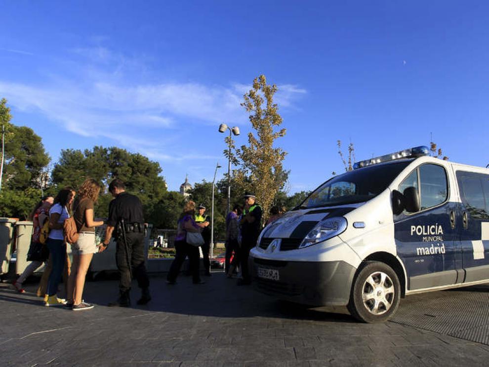 Agentes de la Policía controlan el recinto