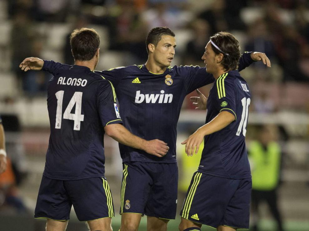 Cristiano Ronaldo celebra su gol de penalti ante el Rayo Vallecano.