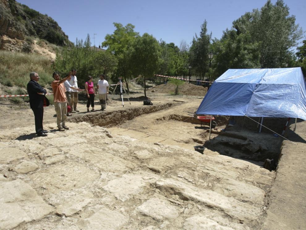 Excavaciones arqueológicas en la presa de Muel