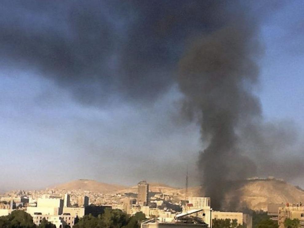 Explotan dos bombas cerca de la sede del Estado Mayor en Damasco.