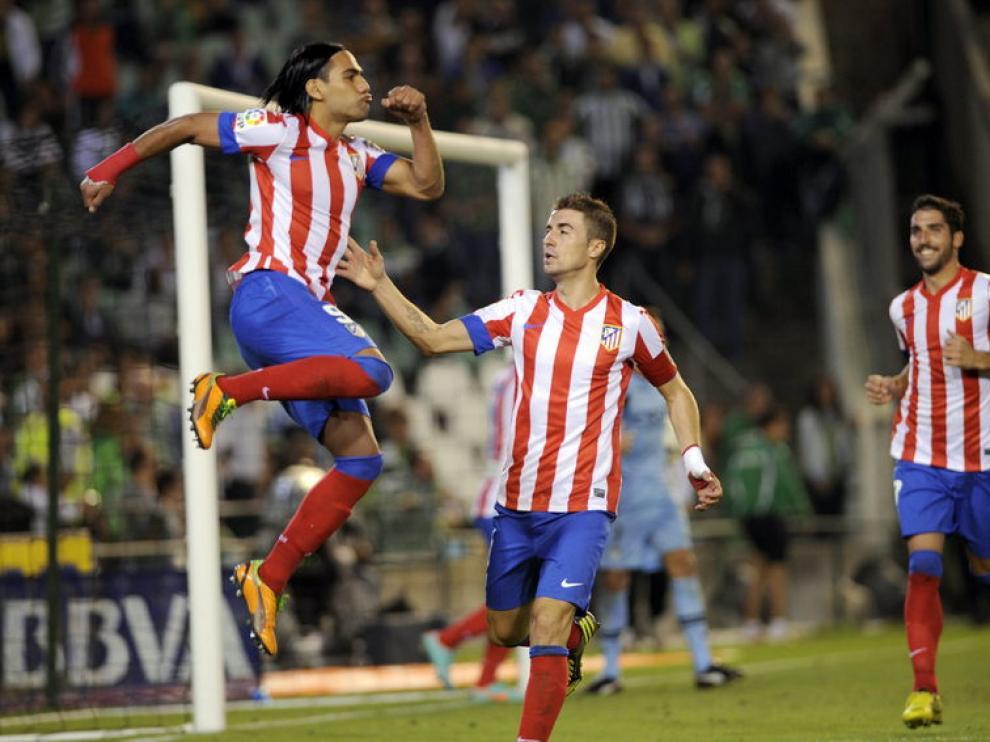Radamel Falcao celebra uno de sus goles