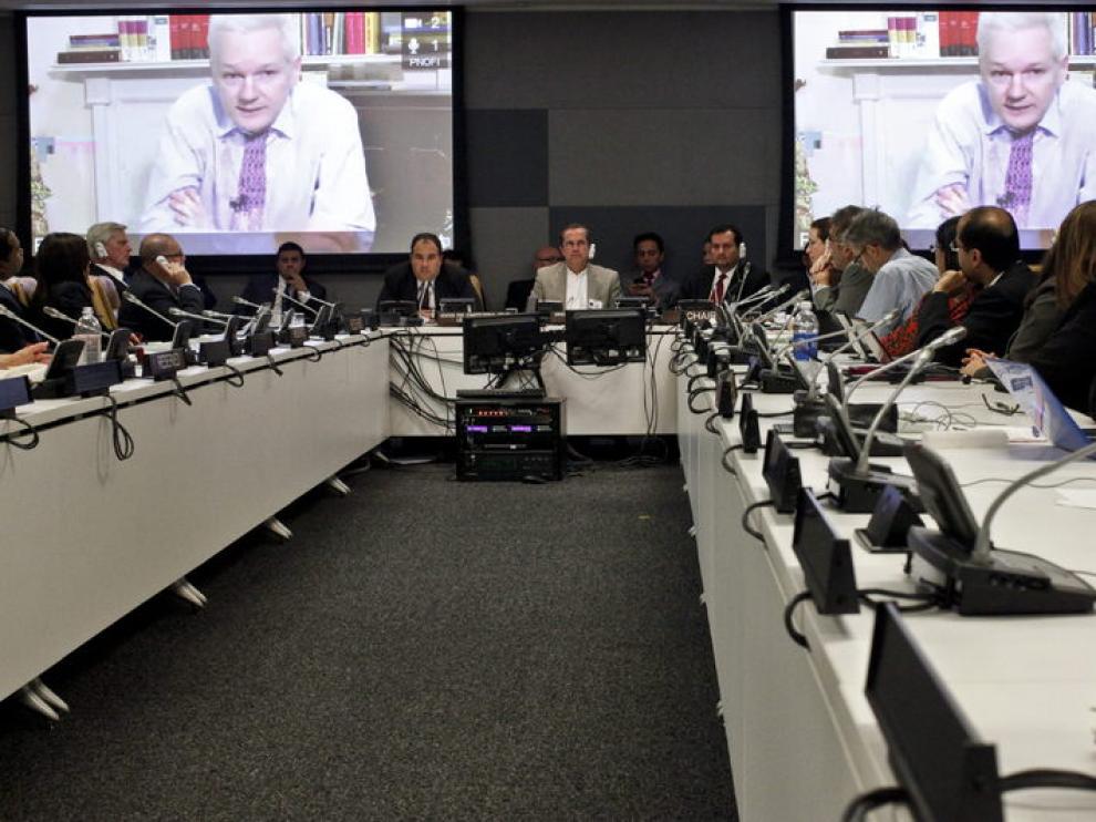 Assange participa por videoconferencia en un foro de la ONU