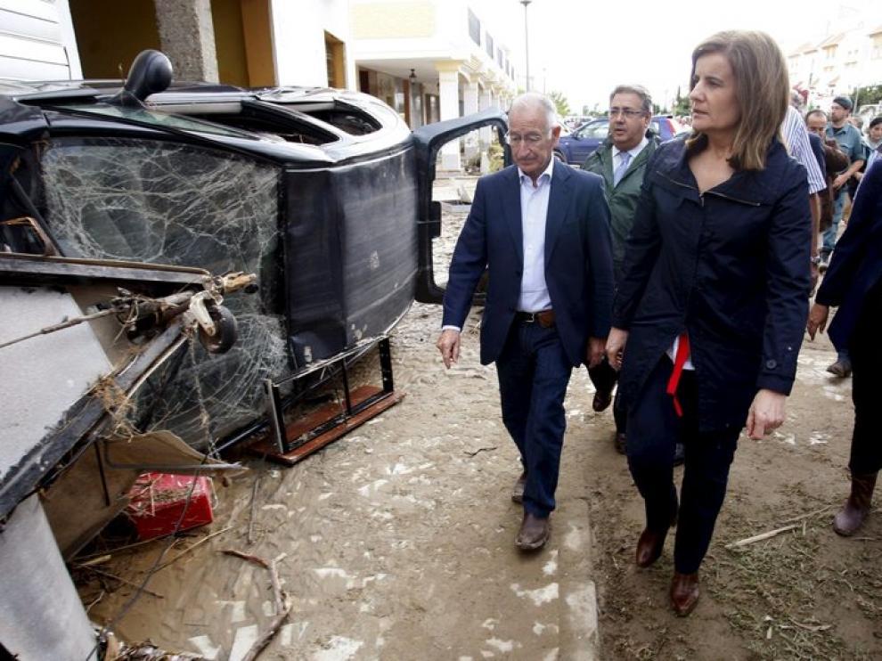 Báñez vista las zonas afectadas en Almería