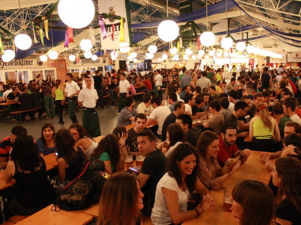 Oktoberfest en el Parque de Atracciones de Zaragoza.