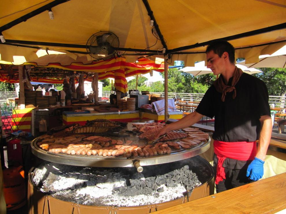 Carne a la brasa en el paseo de Echegaray