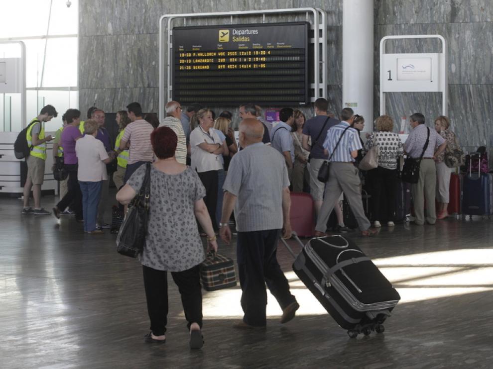 El 40% de las personas que dejan Aragón se marchan al extranjero