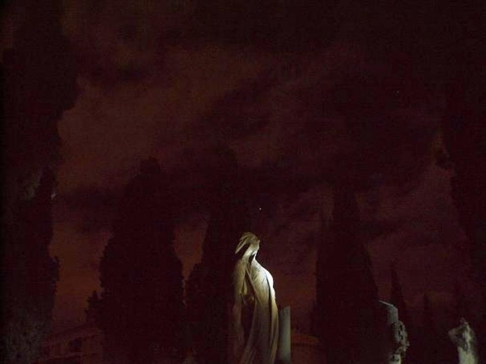 Visitas nocturnas al cementerio de Torrero con Gozarte