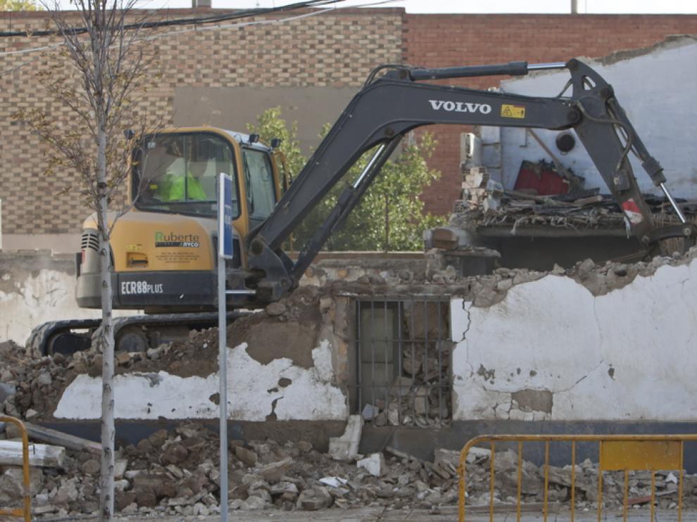 Derribo de la casa en Villanueva de Gállego