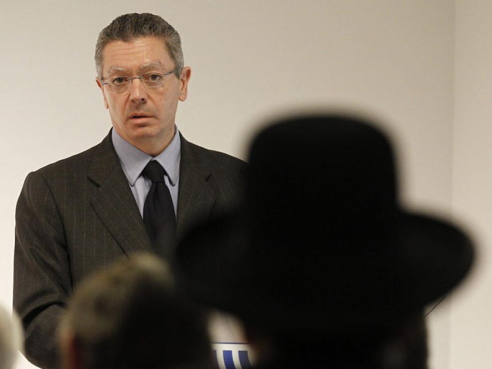 El ministro de Justicia ha defendido la constitucionalidad del aumento de las tasas.