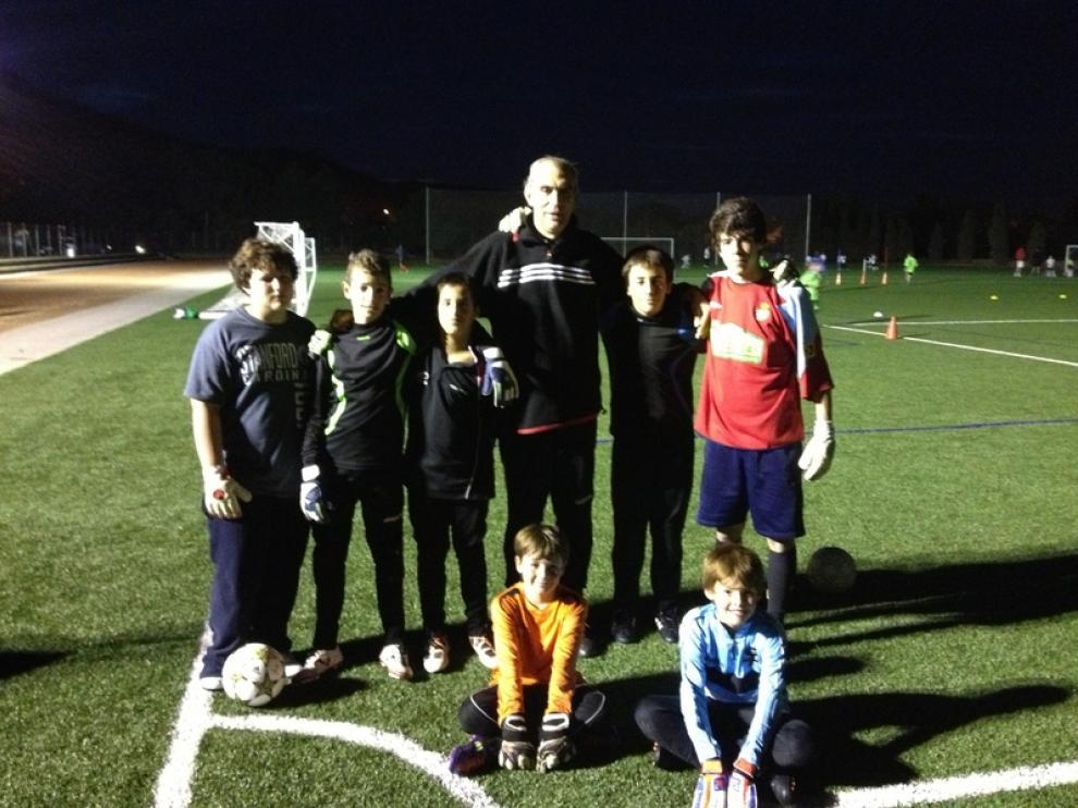 Andoni Cedrún con sus alumnos
