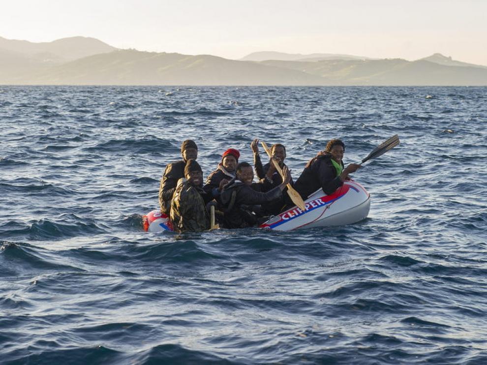 Inmigrantes intentado entrar en España a través del Estrecho