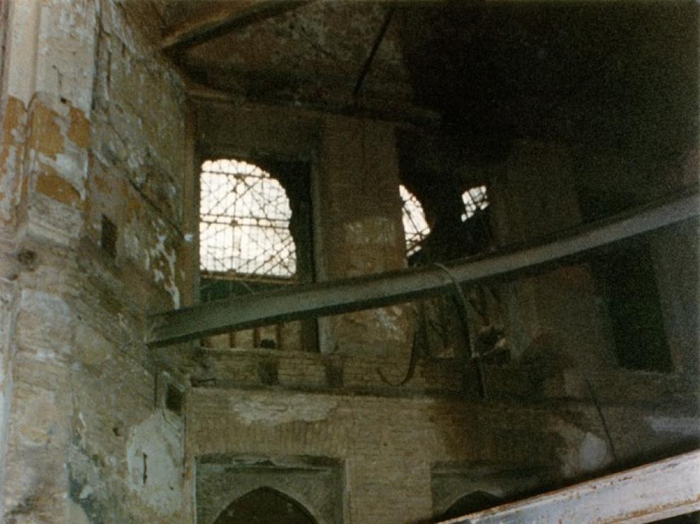 Edo en la biblioteca destruida de Sarajevo
