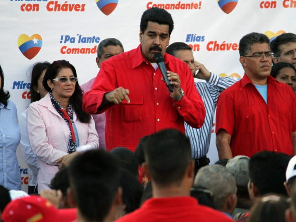 Maduro, en su primer acto al frente del Ejecutivo.