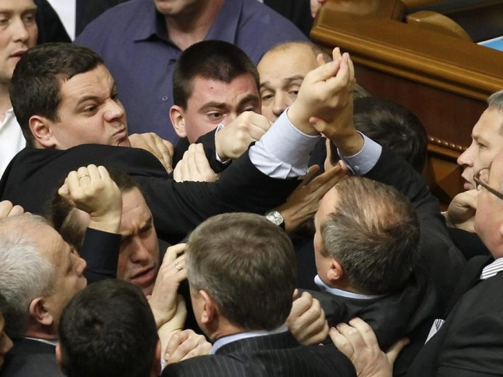 Trifulca en el parlamento ucraniano