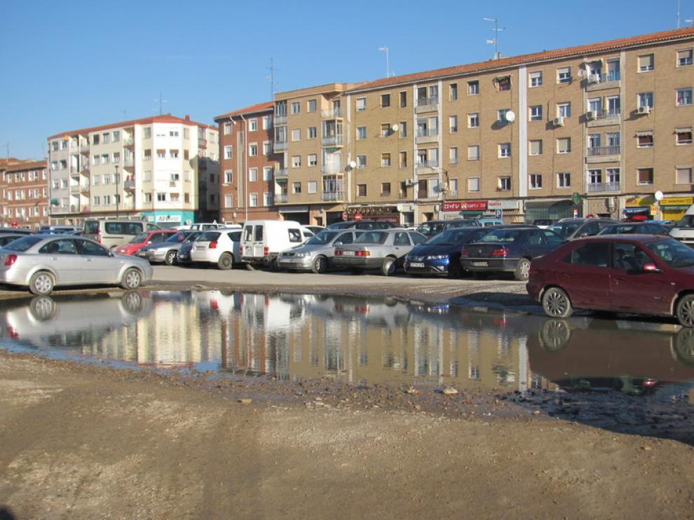 Charco en el aparcamiento de Casablanca