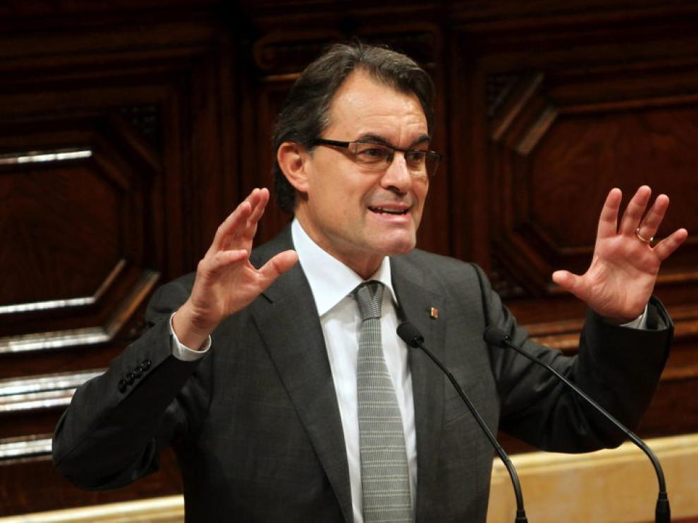 El líder de CiU, Artur Mas, interviene en el debate de investidura.