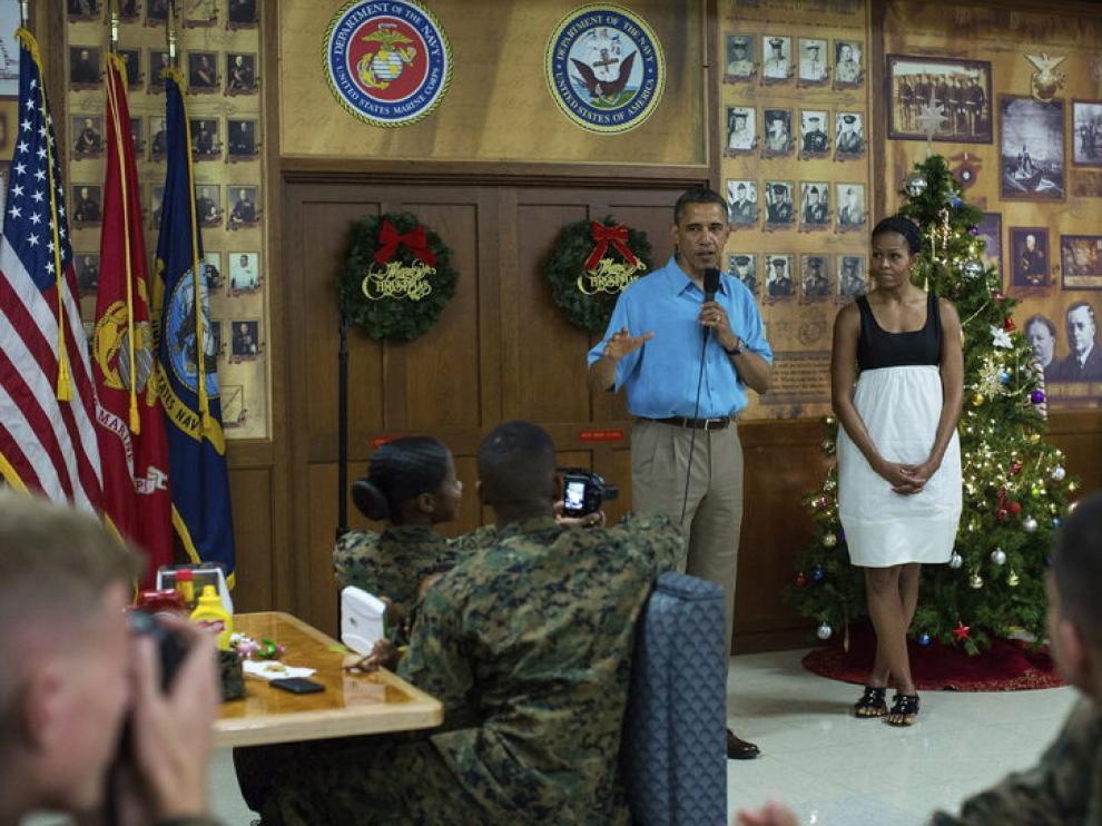 Obama y su mujer, en la base naval de Hawai