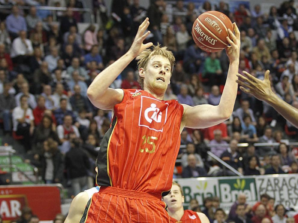 Norel, durante un partido el CAI Zaragoza