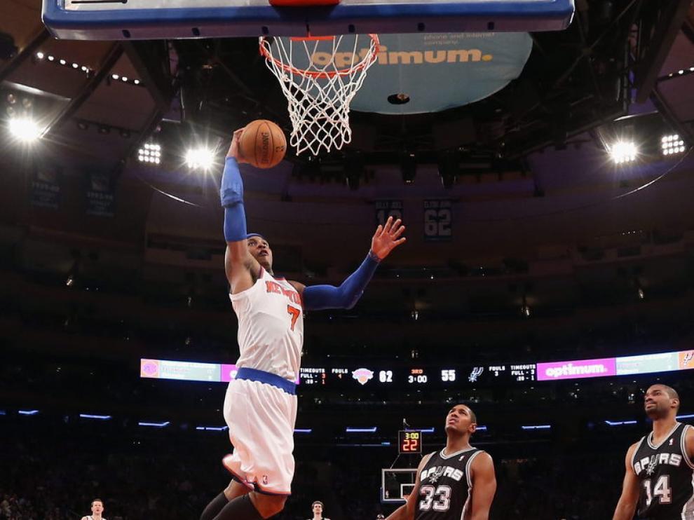 Carmelo Anthony se convirtió en el líder del ataque de los Knicks al conseguir 23 puntos.