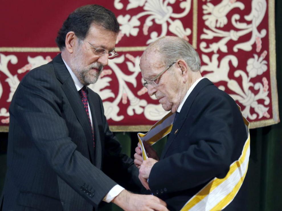 Rajoy galardona al presidente de la Xunta, Fernández Albor