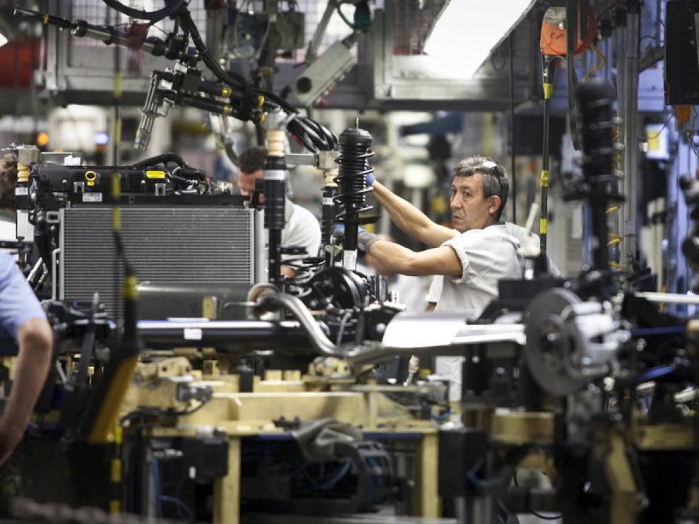 Línea de montaje de la planta de Opel en Figueruelas.