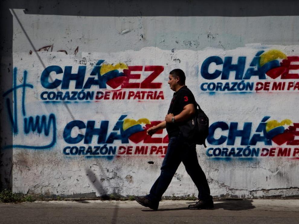 En las calles se ven numerosas muestras de ánimo y apoyo al presidente venezolano