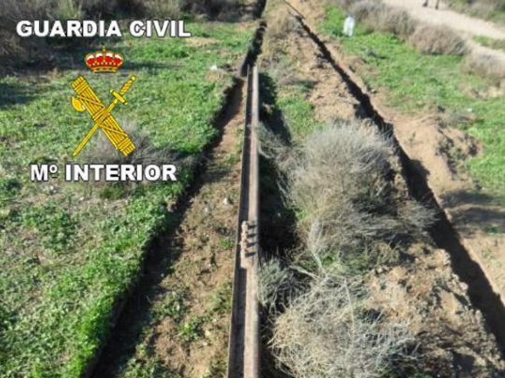 La Guardia Civil encontró 300 metros de vía en la furgoneta de los detenidos