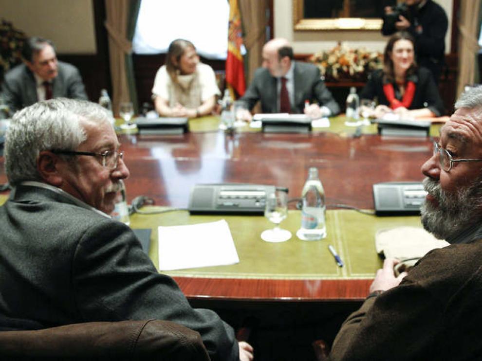 Toxo y Méndez se reunieron con Rubalcaba en el Congreso