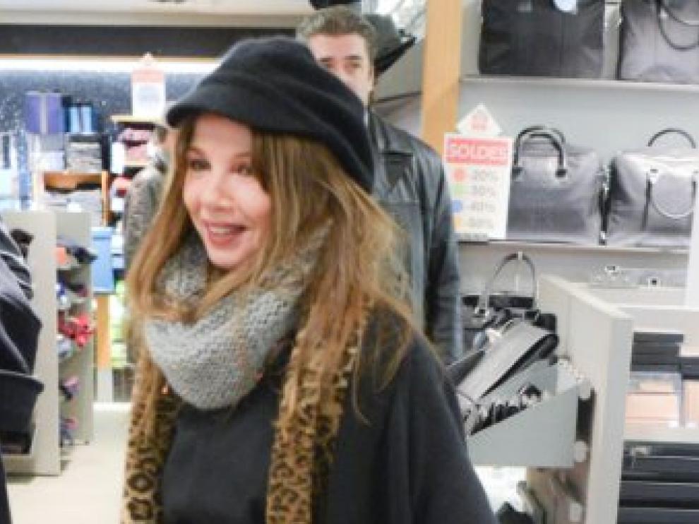 Victoria Abril, en las rebajas parisinas