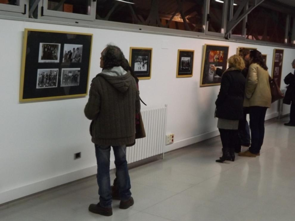 La exposición rinde homenaje a los grupos de la época