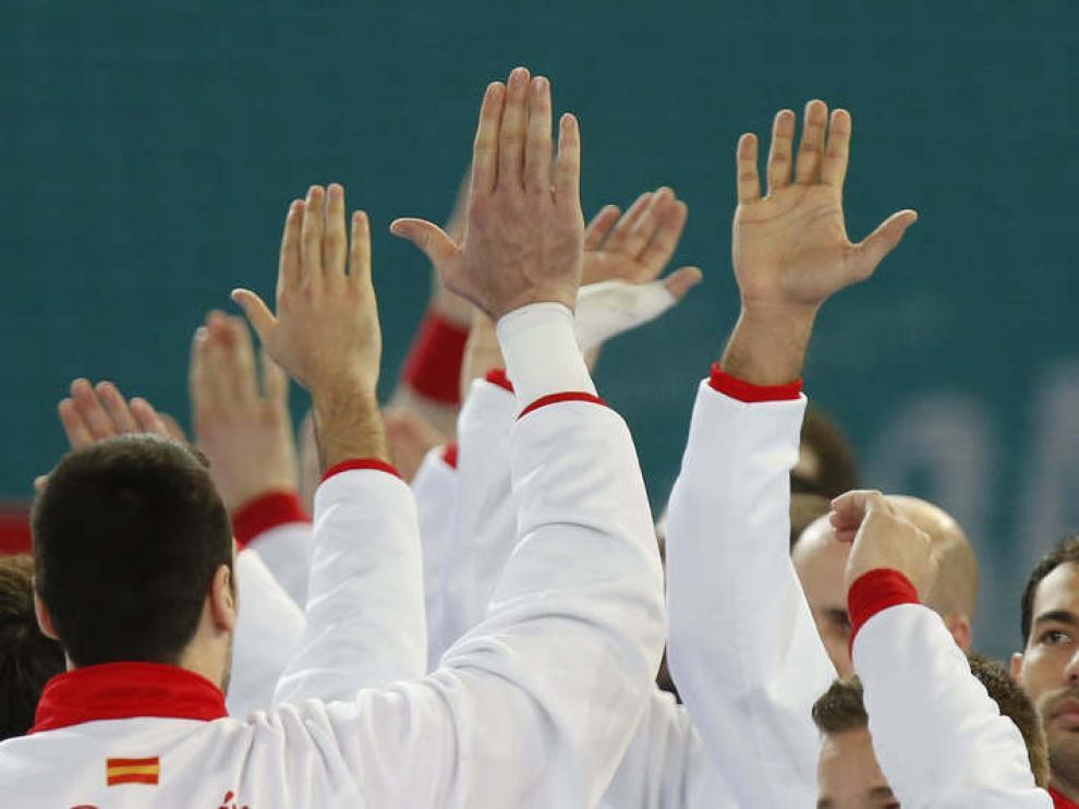 Los jugadores de España, antes del duelo con Argelia