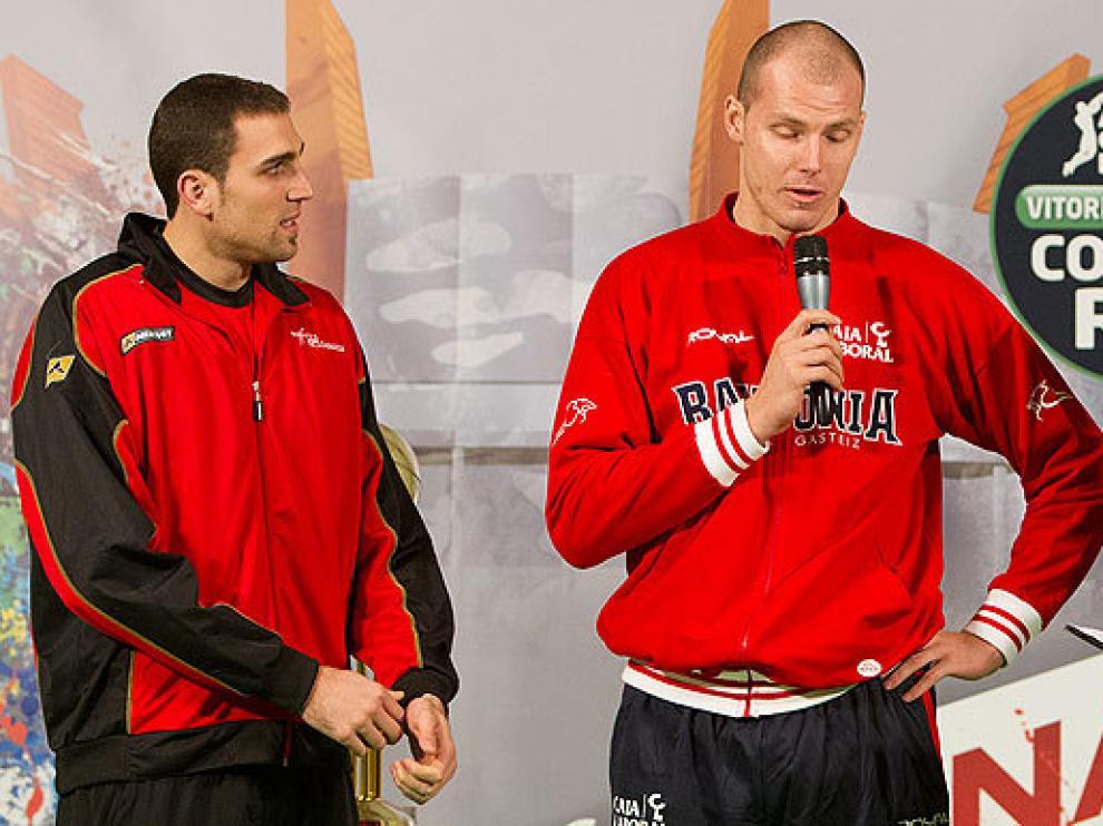 Pablo Aguilar y Maciej Lampe, tras el sorteo
