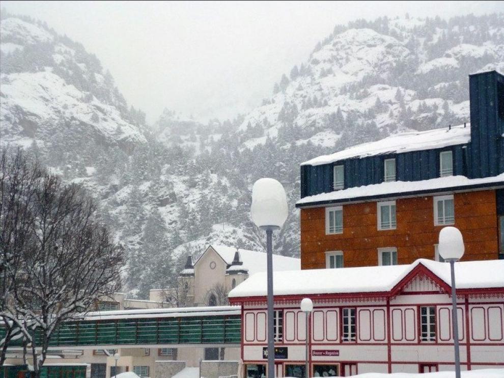Nieve en el Balneario de Panticosa