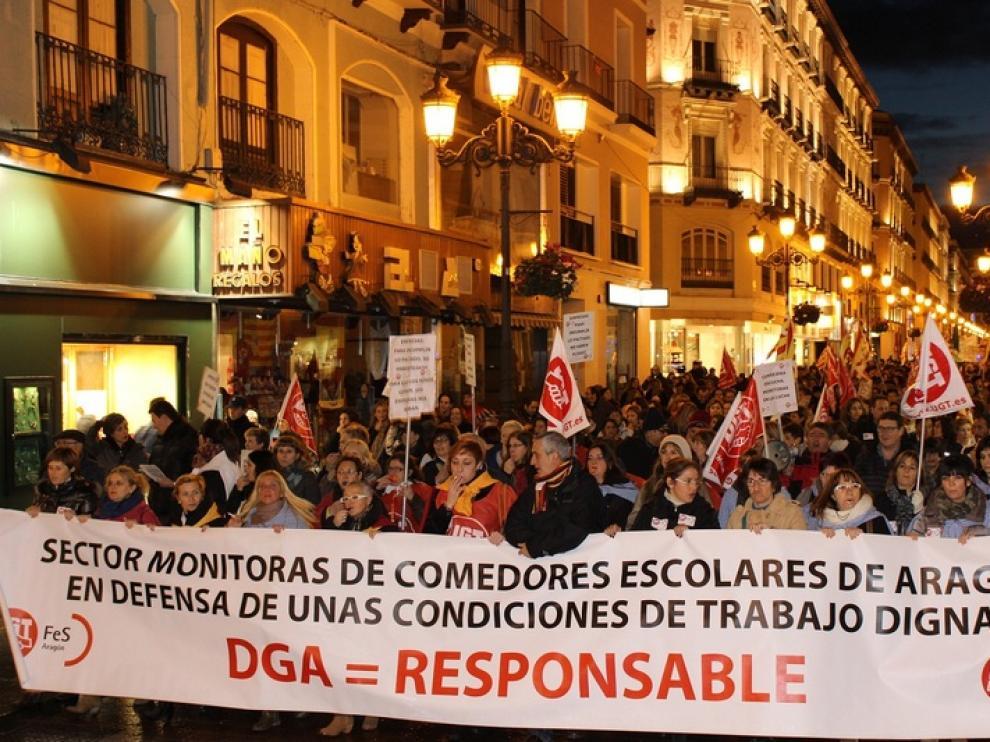 Manifestación de monitoras de comedor en Zaragoza