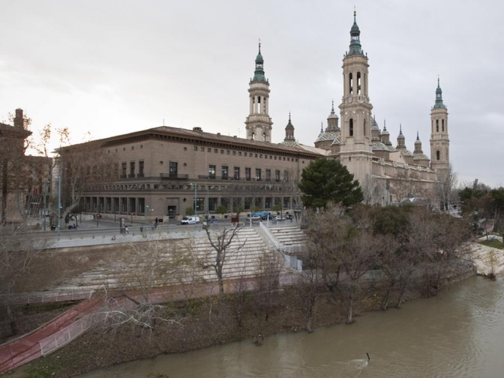 Río Ebro a su paso por Zaragoza