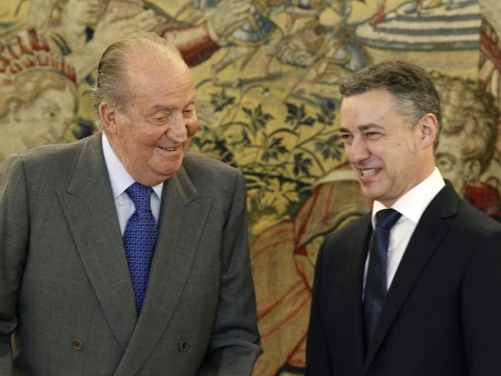 El rey Juan Carlos y el lehendakari Iñigo Urkullu