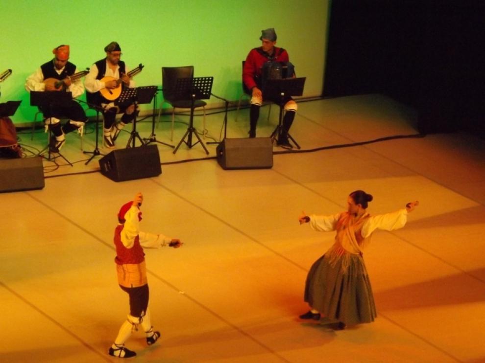 XXI Muestra de Danza y Folclore Ciudad de Huesca, en el Palacio de Congresos.