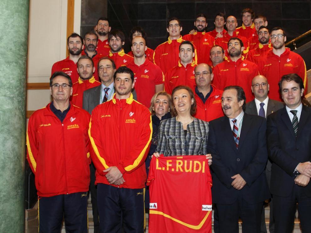 Rudi y Serrat con la selección española de balonmano