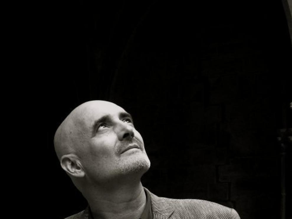 El escritor Miguel Mena
