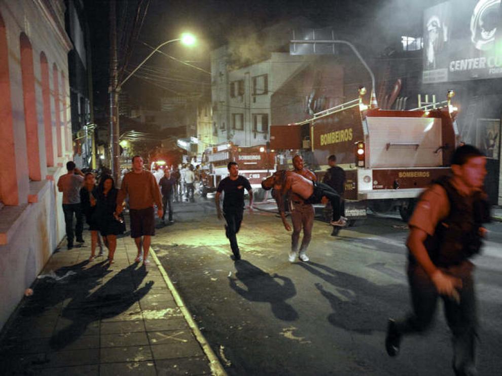 El incendio, cuyas causas se desconocen, comenzó poco después de las 2.00