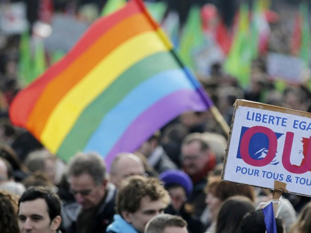 Los favorables al matrimonio homosexual salen a las calles de Francia