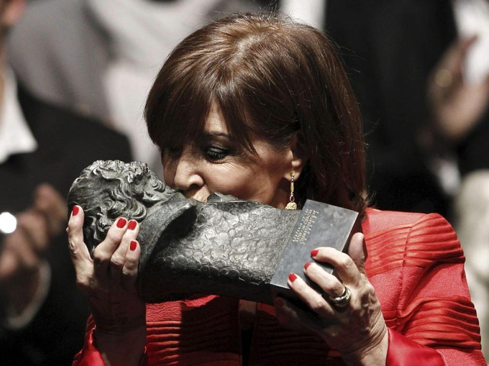 Concha Velasco recibe el Goya de Honor.