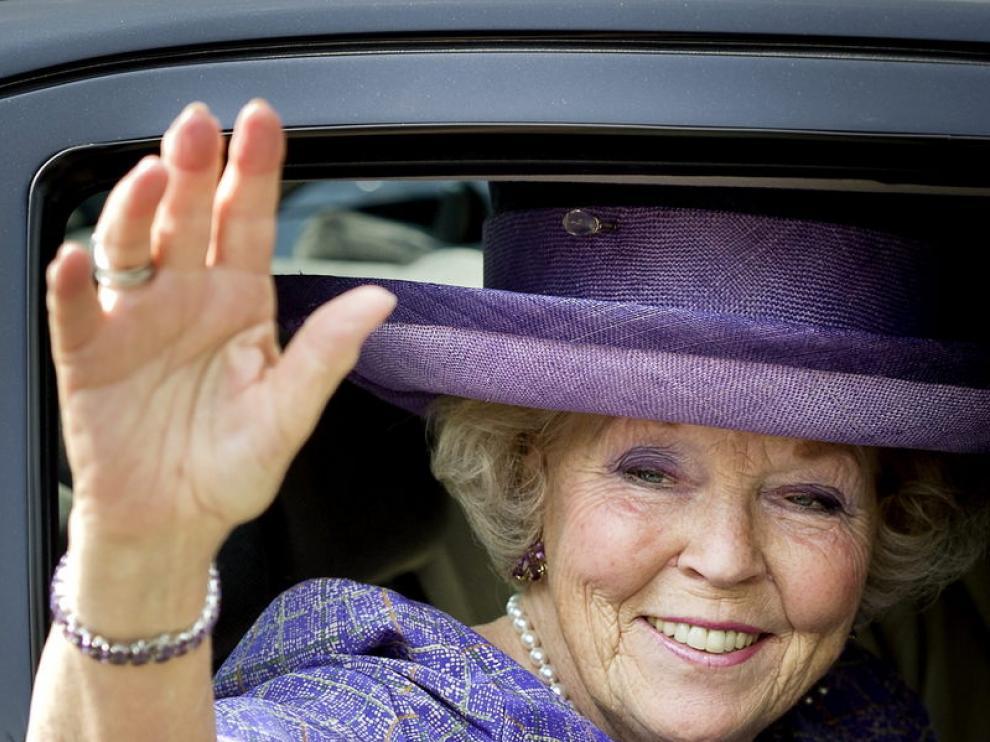 La reina Beatriz de Holanda ha abdicado en favor del príncipe Guillermo.