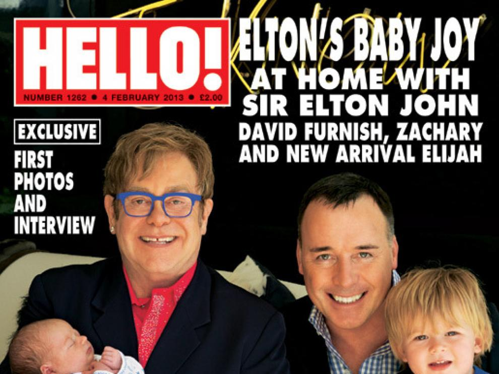Elton John posa junto a su pareja y sus hijos en Hello!
