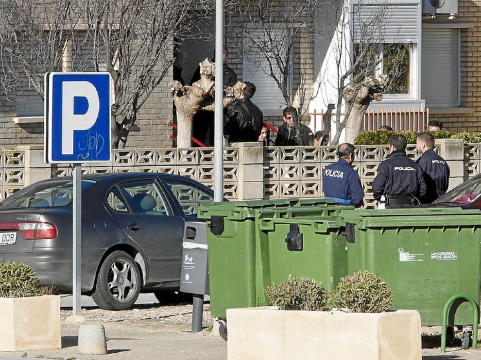 La Policía registró la vivienda que compartía con su pareja en Cadrete